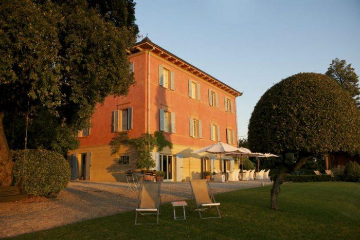5 exterior sun rising on the villa 1 – Copia