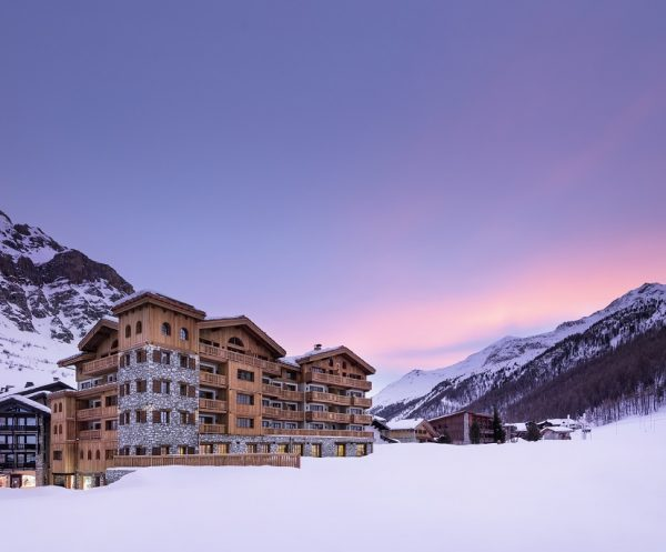 Airelles Val d 'Isère, Mademoiselle opens its doors